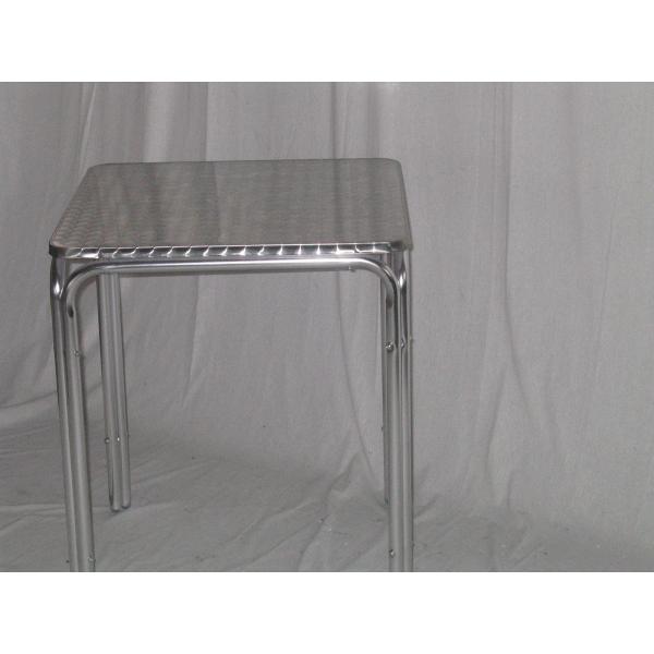 Tavolo in alluminio da bar tavolino per esterno tavolino for Ferro tubolare quadrato prezzo