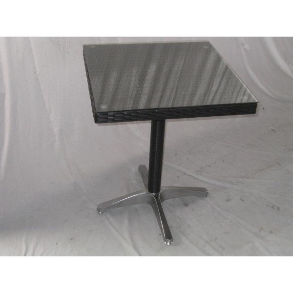 Vendita tavolo contract simil rattan tavoli bar ristorante for Tavolo cucina 70x70