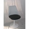 Sedia Tulip in noleggio, girevole bianca o nera design Eero Saarinen con base in fusione di alluminio e seduta polipropilene