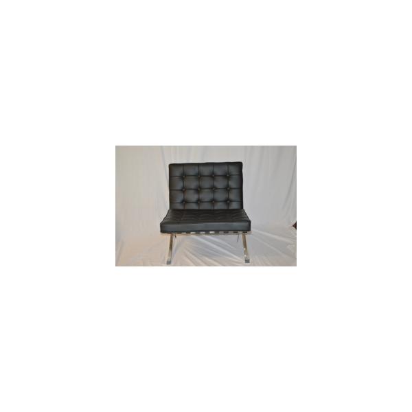 Barcelona divanetto e poltroncina contract in noleggio for Noleggio di mobili di design