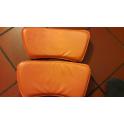 """STELLA 2""""scelta - Sedia impilabile in metallo ed ecopelle  (pelle ecologica)  colore arancione"""