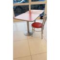 Sedia usata thonet impilabile metallo, imbottita in ecopelle rosso per bar, ristorante, hotel
