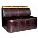 Carmen - Divanetto per bar e poltroncina Contract personalizzati per locali in ecopelle (pelle ecologica), tessuto, velluto.