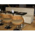 Venezia - Divanetto per bar e poltroncina Contract personalizzati per locali in ecopelle (pelle ecologica), tessuto, velluto.