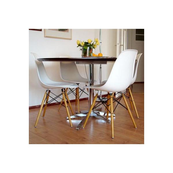 Sedie poltrone dsw gambe in legno poltrone daw rosso sedie for Sedie vitra ufficio