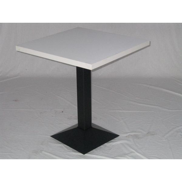 Tavolo marte con gamba in ghisa centrale e top in for Ferro tubolare quadrato prezzo