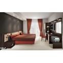 Arredo camera d'albergo matrimoniale tripla in legno nobilitato