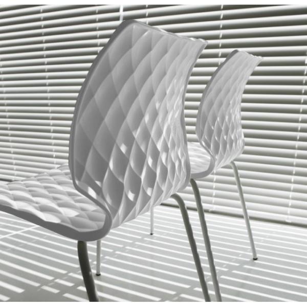 uni-sedia-impilabile-in-polipropilene-metalmobil